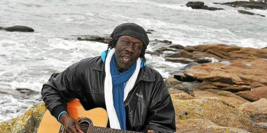 ploemeur-le-musicien-geoffrey-oryema-est-decede-a-l-age-de-6_4016812_540x270p