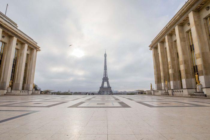 Coronavirus-les-rues-de-Paris-se-vident-les-habitants-se-preparent-au-confinement