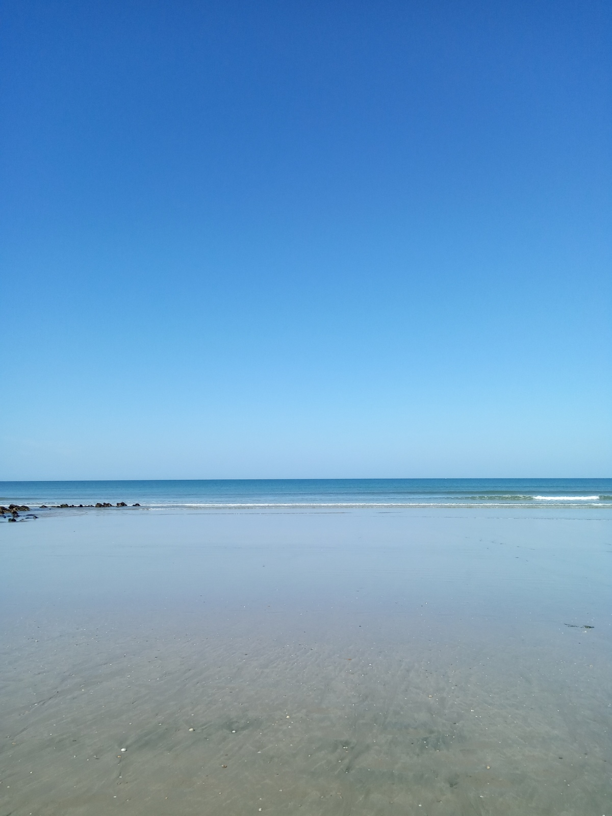 Regarder la mer, rester la journée entière ici!